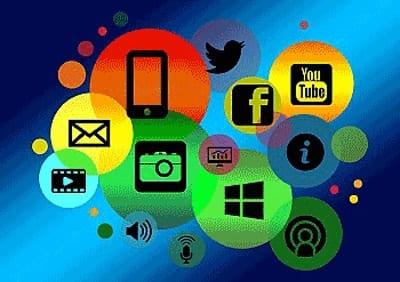 Écoute et communication avec les clients sur les réseaux sociaux